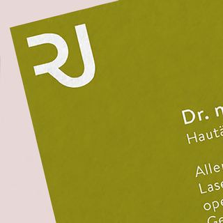 <strong>Visual Identity</strong><br/> Hautärztin Julia Reichle<br/>